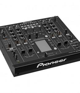 Pioneer DJM2000 Nexus – €85 P/D